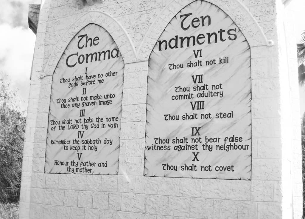 ten commandments from the bible help people in their daily life