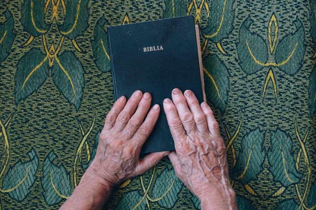 Hands on Spanish Bible